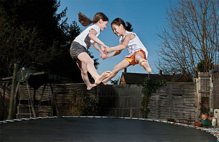 best outdoor trampoline with enclosure