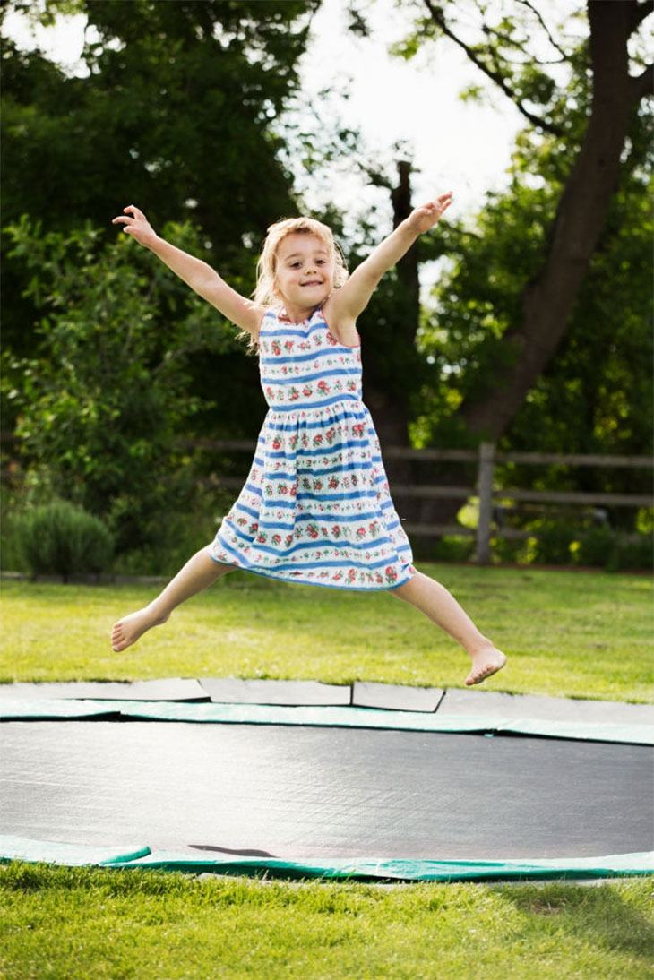 ground trampoline with net
